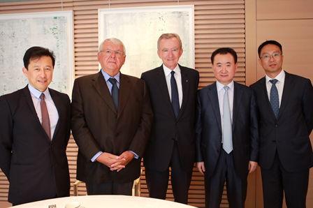 Wang Jianlin visits LVMH on European tour