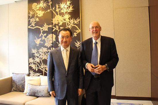 Wang Jianlin meets with Former US Treasury Secretary