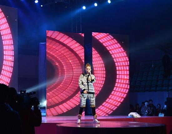 萬達渭南項目公司舉辦群星耀渭南演唱會 伍思凱等登臺獻唱