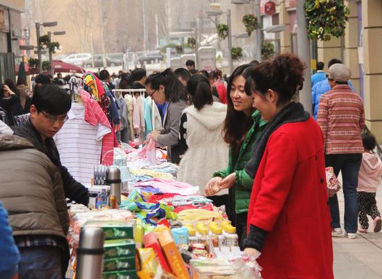 Wanda plazas' sales and foot traffic boom during Qingming Festival