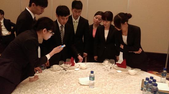 酒店管理公司举办万达酒店服务精英培训-万达