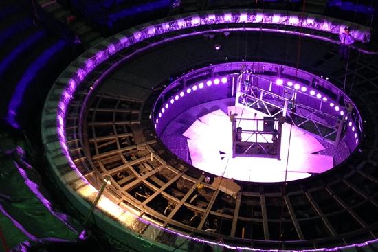 傣秀剧场舞台灯光系统突出智能,人性,个性,自由,效率,增强艺术感染力