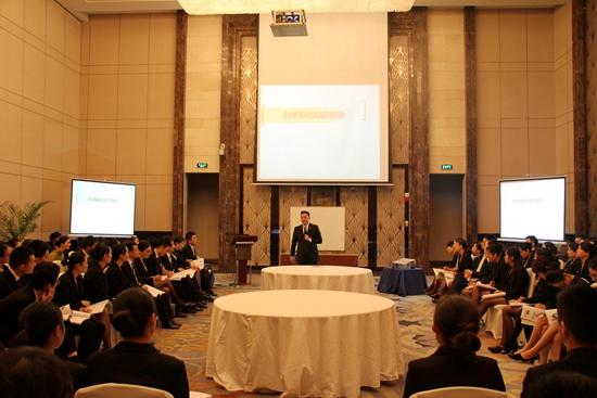 酒店管理公司举办服务精英培训-万达官网