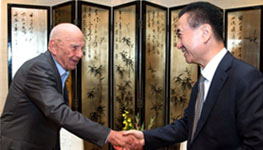 Wang Jianlin meets with News Corporation Chairm...