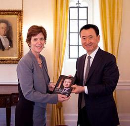 Wang Jianlin visits Oxford, meets Vice Chancellor