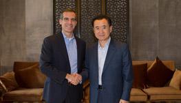Chairman Wang Jianlin meets with Los Angeles...