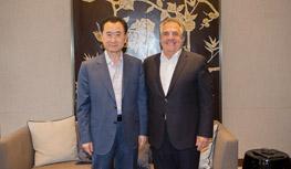 Chairman Wang Jianlin meets with chairman and...