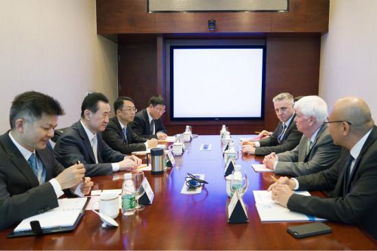 王健林董事长会见美国电影协会主席