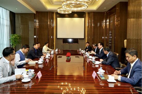 中国足协党委书记杜兆才会见王健林董事长
