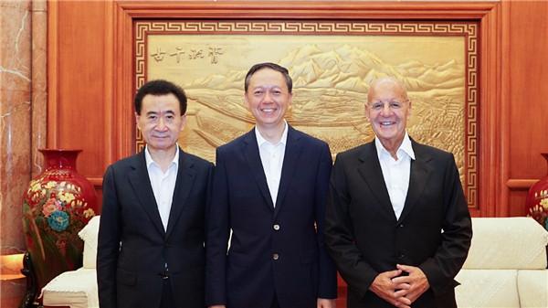 四川省副省长王一宏会见王健林董事长、UPMC总裁罗莫夫