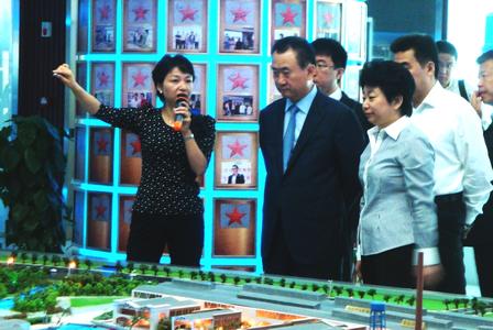 王健林董事長考察無錫數字電影產業園