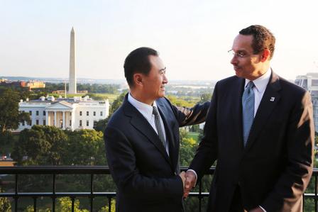 王健林董事長會見華盛頓市長格雷