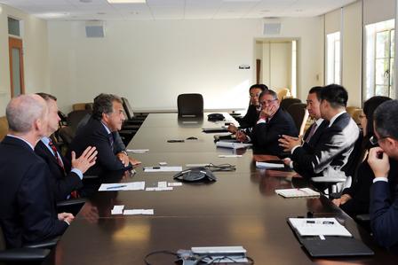 王健林董事长会晤二十世纪福克斯企业联席董事长