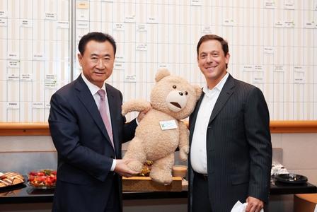 王健林董事長會晤環球電影公司董事長