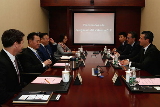 王健林董事长会见瓦伦西亚足球俱乐部主席