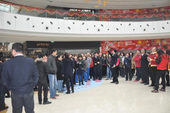 廊坊萬達廣場舉辦消防達人PK賽 緊張激烈800多人觀摩