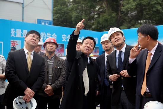 丁本锡总裁考察万达武汉中央文化区