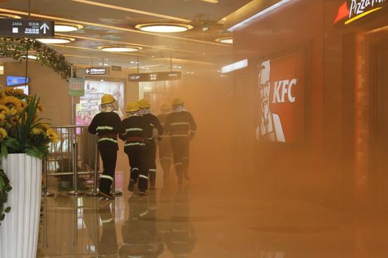 鄭州中原萬達廣場舉行營業期消防疏散演練 專家評估優秀