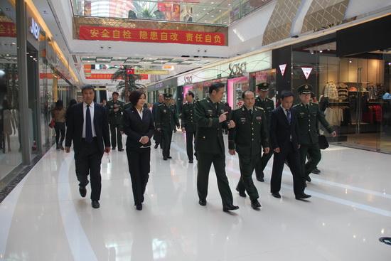 國家消防局副局長考察鄭州二七萬達商管公司 贊非常到位