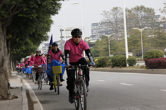 福州仓山万达商管公司举办国际消费者权益日义工骑行宣传