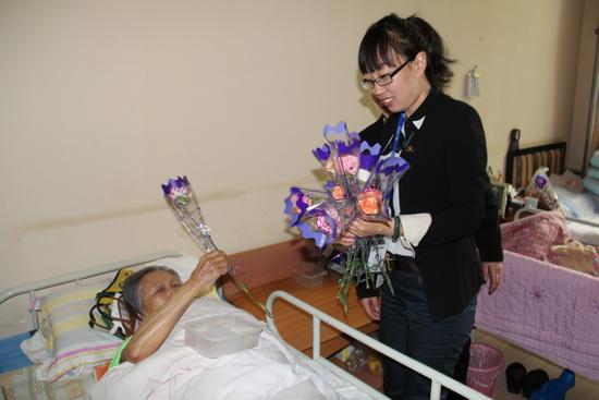 哈尔滨万达影城母亲节感恩送温暖