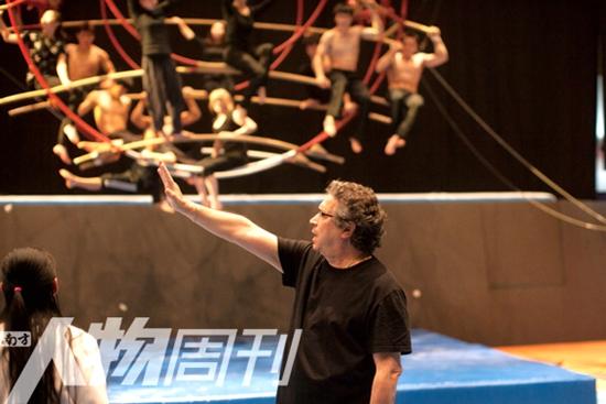 """汉秀总导演弗兰克·德贡:""""不能创造出惊奇, 我会感到乏味"""""""