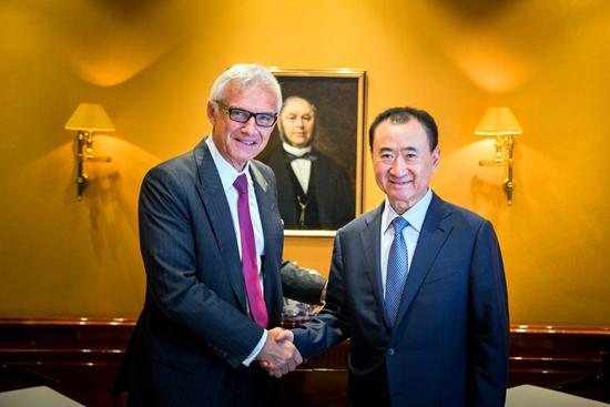 王健林董事长会见瑞士信贷集团董事长乌尔斯·罗纳