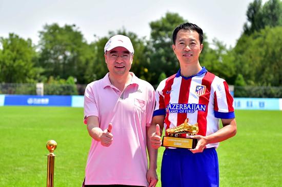 万达首届职工足球联赛落幕 集团总部机关勇夺冠军