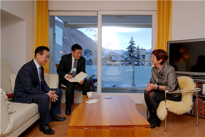 Chairman Wang Jianlin Meets with Oxford Vice Chancellor Louise Richardson