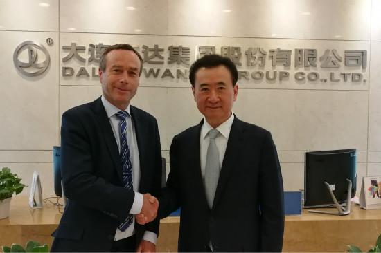 王健林董事长接受英国《金融时报》总编辑采访