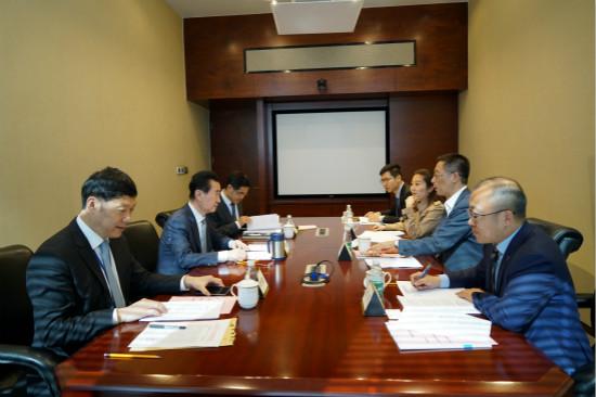 王健林董事长会见清华大学副校长施一公