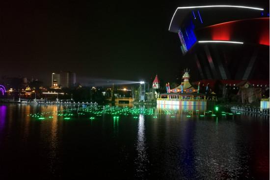 哈尔滨大湖秀即将绽放冰城