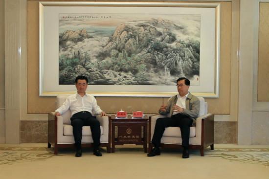 王健林董事长会见青岛市委书记市长