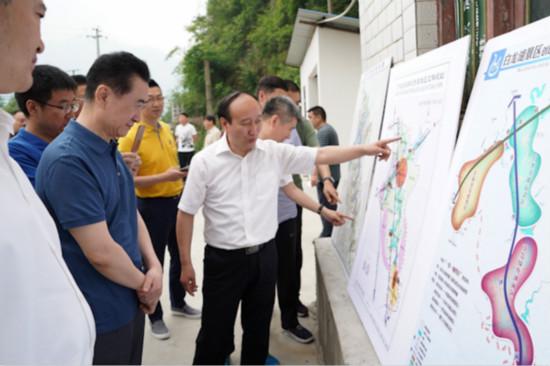 王健林董事长赴广元扶贫调研第二天