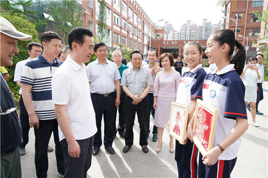 王健林董事长赴广元扶贫调研第三天