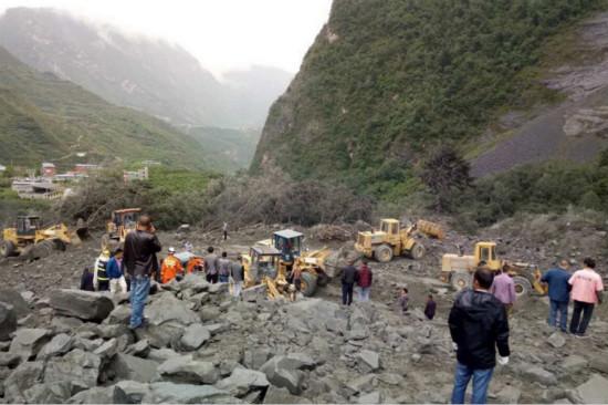 万达向四川省慈善总会捐款2000万元救助茂县山体垮塌遇难群众