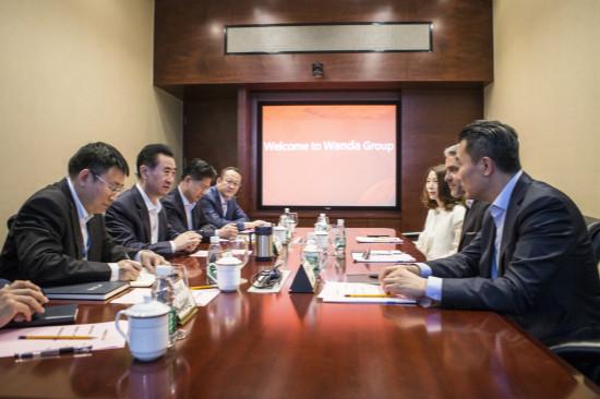 王健林董事长会见耐克全球市场总裁
