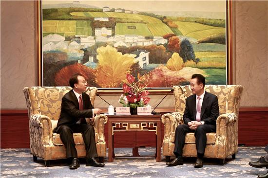 梧州市市长朱学庆会见王健林董事长