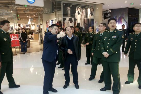公安部消防局考察济南高新万达广场消防安全工作