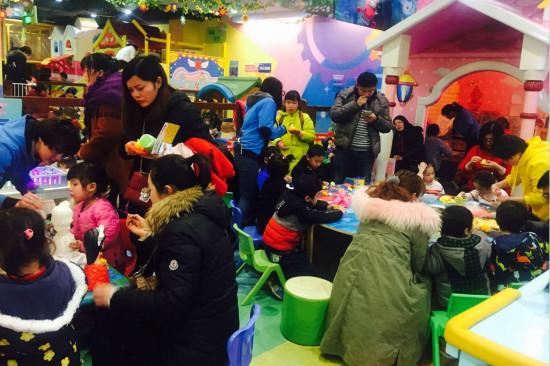 宝贝王桂林高新乐园举办超轻粘土DIY亲子体验活动