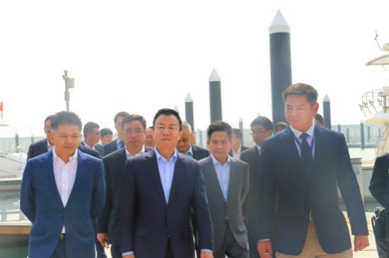 丁本锡总裁视察青岛东方影都万达游艇会