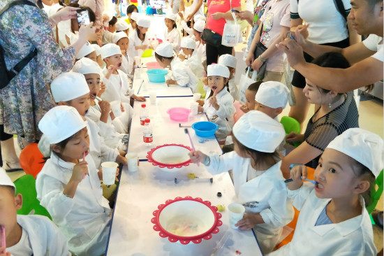 南宁安吉乐园举办小小牙医职业体验活动