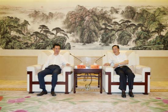 贵州省委常委、遵义市委书记龙长春会见王健林董事长