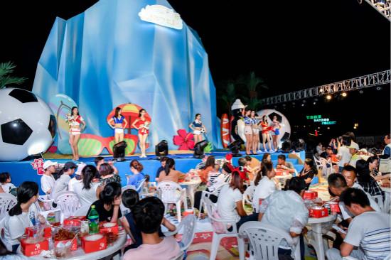 """南昌万达乐园举办""""龙虾狂欢世界杯"""" 启动暑期狂欢季"""