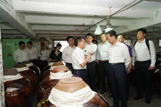 王健林董事长考察贵州茅台集团