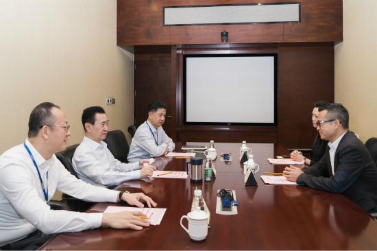 王健林董事长会见永辉超市股份有限公司董事长张轩松