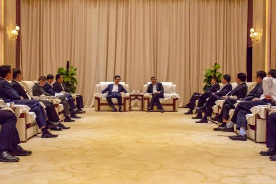 兰州市委书记市长会见王健林董事长