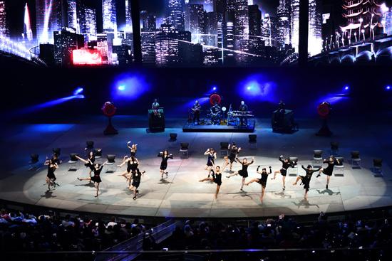汉秀举办四周年庆典 与10家单位签署2019战略合作协议