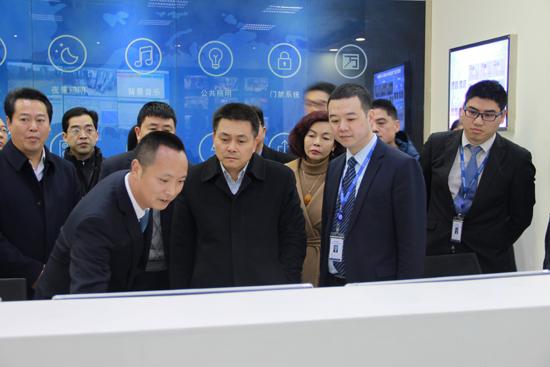 四川省市场监督管理局局长考察资阳万达广场