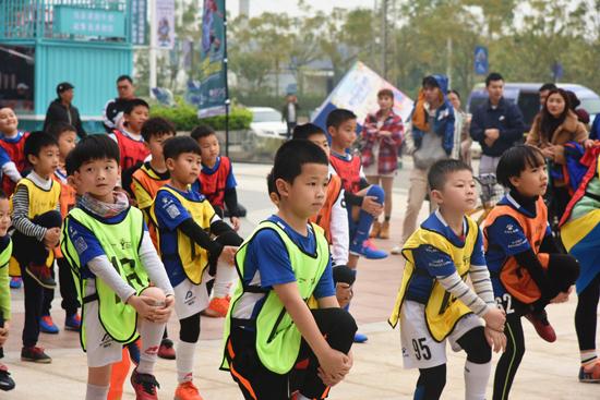 """南宁万达乐园举办""""中国杯·上场由你定""""球童选拔赛"""
